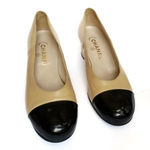 Chanel Women's two tone pump in beige and black